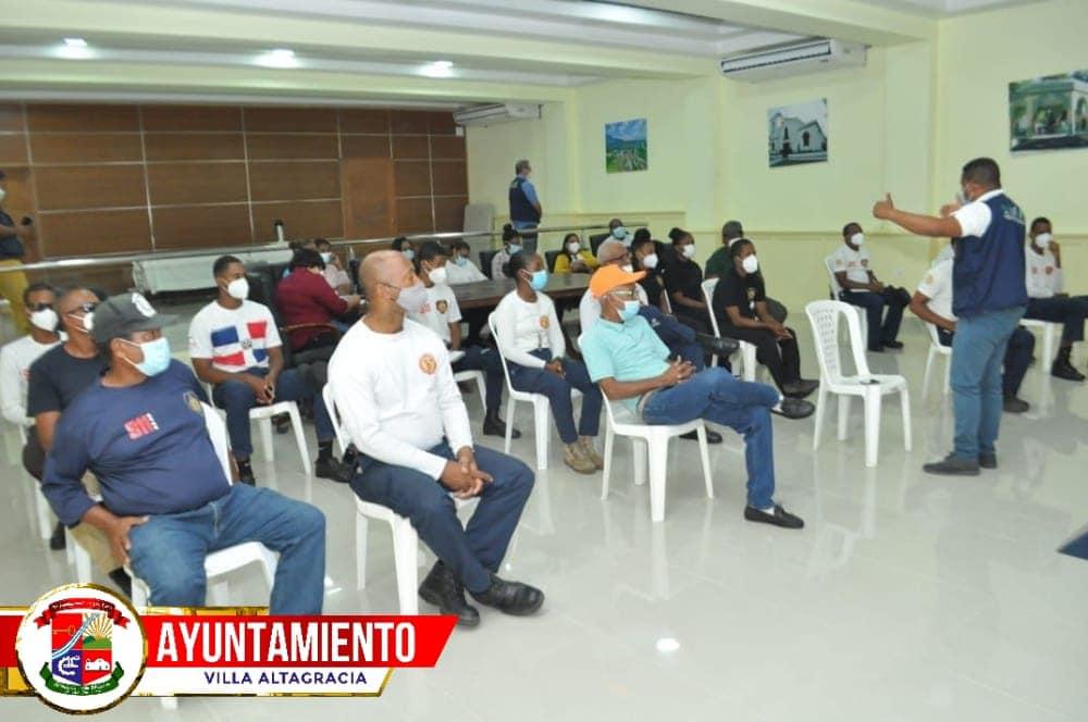 AYUNTAMIENTO MUNICIPAL IMPARTE TALLER SOBRE RESILENCIA CLIMÁTICA.